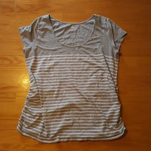 Old Navy Maternity T-Shirt
